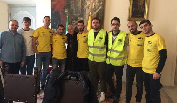 Dirigenti, volontari e tirocinanti dell'U.S. Acli in visita dal vescovo D'Ercole.