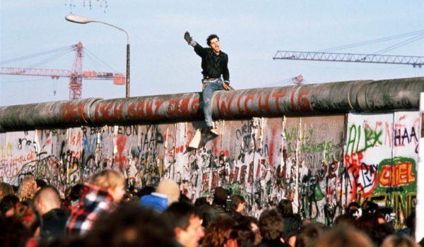 IL VESCOVO RICORDA LA CADUTA DEL MURO DI BERLINO