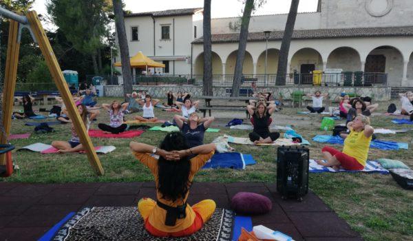 Summer Yoga all'Annunziata: oltre 90 iscritti