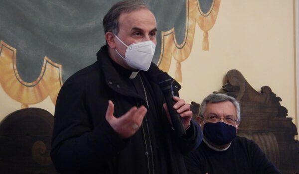 Monsignor Pompili incontra i giornalisti