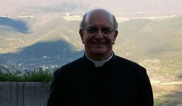 """Don Peppe """"il prete più felice del mondo"""". Le esequie anche on-line."""