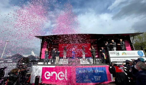 A Realtà Locali la carovana rosa: il servizio sul Giro d'Italia